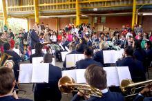 banda municipal foi uma das atracoes na escola antonio giudice