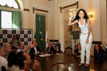 Tânia Farias pediu licença para