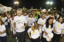 Prefeito José Fortunati no desfile da escola Esporte dá Samba.