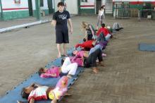 Exercíos são realizados na Escola de Samba Estado Maior da Restinga