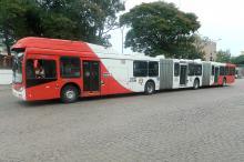 Empresa testou ônibus biarticulado como forma de qualificar o transporte público