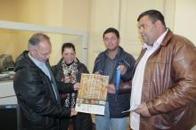 Secretário Busatto (E) recebeu o convite em nome do prefeito José Fortunati