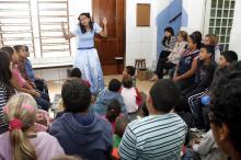 Gislene Rodrigues participou de ações voluntárias no Núcleo da Hora do Conto