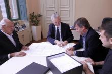 Documentação resultante de três meses de trabalho foi entregue a Fortunati