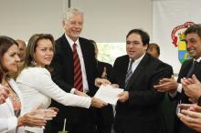 Projeto foi entregue à Câmara pelo prefeito Fortunati e pela secretária de Inovação