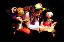 Jogos de Inventar, Cantar e Dançar é atração infantil de teatro