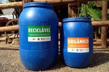 Cada piquete recebeu duas bombonas para o descarte correto de resíduos