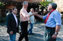 Durante a tarde, prefeito visitou piquetes e conversou com o público