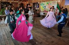 Danças típicas abrem a agenda neste domingo