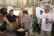 No último Acampamento Farroupilha, turistas apreciaram culinária típica