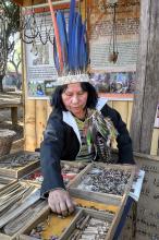 Acuab vende peças de artesanato da Aldeia Polidoro