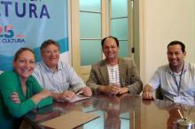 Secretários da Copa, João Bosco Vaz, e da Cultura, Roque Jacoby (C)