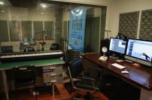 Estúdio conta com tecnologia digital e 22 canais para gravação profissional
