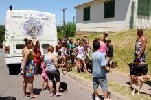 Ônibus Bicho Amigo percorre diariamente comunidades carentes