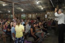 Fortunati falou para uma atenta e participativa plateia sobre a licitação