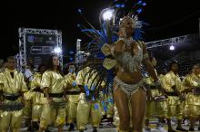 A garra da comunidade de São Leopoldo sustentou o desfile