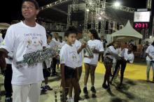Esporte dá Samba desfila com mais de três mil integrantes