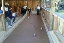 No Turismo de Galpão também é possível aprender a jogar Bocha, um esporte típico gaúcho
