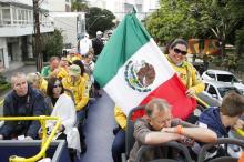 Mexicana pegou ônibus para a Fan Fest