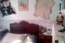 Piquete hospeda turistas em quarto com móveis do século XIX