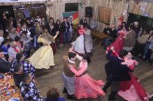 Baile e show tradicionalista estão na programação do fim de semana