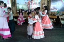 Danças mirins são atração para visitantes no Parque da Harmonia