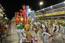 Por tradição, a vencedora, Imperadores do Samba, deve desfilar já na manhã de domingo