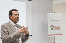 Dalvin Gabriel apresentou o tema cálculo atuarial aos participantes