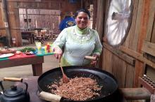 Culinária gaúcha no Turismo de Galpão, como fazer a paçoca de pinhão