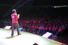 Aula do Curso Anglo ocorre na terça, das 19h30 às 22h, no Auditório Araújo Vianna
