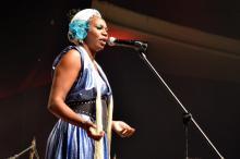 Cantora Denizeli Cardoso � uma das atra��es de As Vozes de Dandara