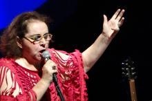Cantora Cida Moreira abre o festival no Theatro São Pedro no dia 13
