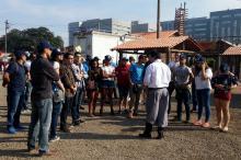 Portugueses estiveram acompanhados de alunos do Colégio Militar de Porto Alegre