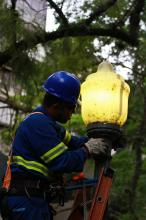 Smov trocou 18 lâmpadas, sete reatores e dois suportes de lâmpadas