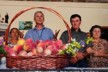 Bancas dos produtores estão no Centro de Eventos Ervino Besson, na Vila Nova