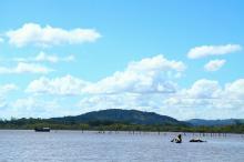 Vento impacta a baía de Belém Novo