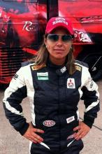 Maria Cristina Rosito é a 1ª mulher piloto profissional do Estado