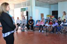 Secretária Denise visitou as famílias abrigadas na instituição Aldeias Infantis SOS