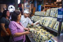 Comerciantes do Mercado Público estão abastecidos para a Semana Santa