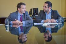 Lemos (D) conversou com Patrick Herman (E) sobre possíveis parcerias