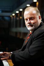 Ney Fialkow é professor do Instituto de Artes